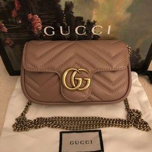 NEW GG Marmont matelassé leather super mini bag